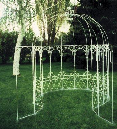 Gazebo Can be decorated with ivy or floral garlands Great for
