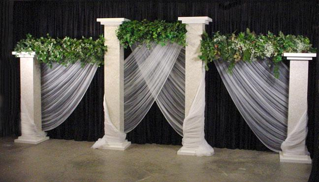 Square Marble Columns give your wedding a contemporary